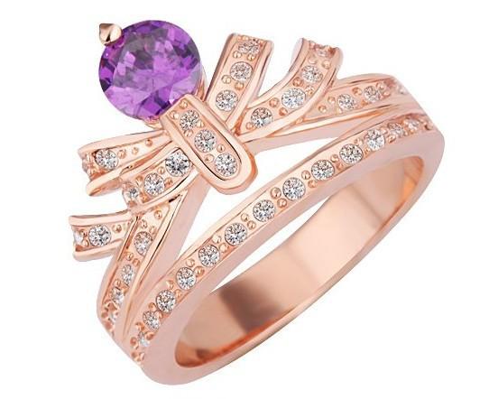 Модное кольцо «Тиара» в виде короны с фиолетовым камнем и стразами купить. Цена 155 грн