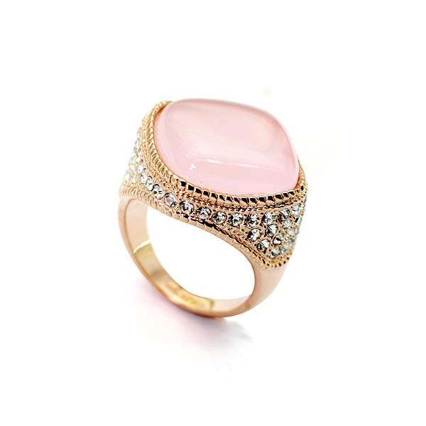Женский перстень «Султан» с розовым опалом, позолотой и камнями Сваровски купить. Цена 399 грн