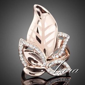 Необычное красивое кольцо «Очарование» с покрытием из розового золота и камнями Сваровски купить. Цена 350 грн