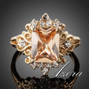 Классическое кольцо «Барокко» (бренд-AZORA) с прямоугольным камнем Сваровски янтарного цвета купить. Цена 280 грн или 875 руб.