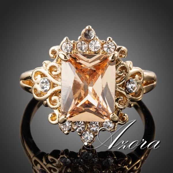 Классическое кольцо «Барокко» (бренд-AZORA) с прямоугольным камнем Сваровски янтарного цвета купить. Цена 280 грн