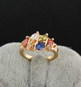 Яркое кольцо с цветными камнями и 18-ти каратным золотым напылением купить. Цена 175 грн
