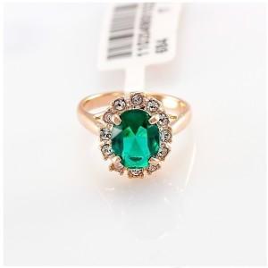 Классическое кольцо «Изумруд» (бренд-ITALINA) с зелёным камнем Swarovski и покрытием из розового золота купить. Цена 180 грн или 565 руб.