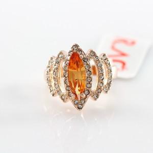 Позолоченное кольцо «Белла» (бренд-ITALINA) с камнем Сваровски янтарного цвета и бесцветными стразами купить. Цена 275 грн или 860 руб.