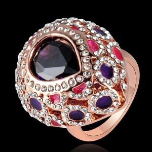 Восточное кольцо «Раджа» (бренд-ITALINA) с фиолетовым камнем, стразами Сваровски и позолотой купить. Цена 280 грн или 875 руб.