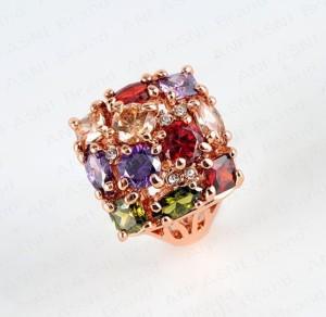 Квадратное кольцо «Семицветик» с цветными камнями Сваровски и золотым покрытием купить. Цена 320 грн или 1000 руб.