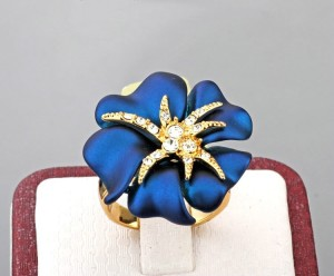 Очень красивое кольцо «Царица» (бренд-Viennois) с синей эмалью, позолотой и Сваровски купить. Цена 260 грн