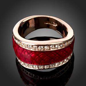 Красное кольцо «Бордо» с покрытием под белое золото и бесцветными стразами купить. Цена 150 грн