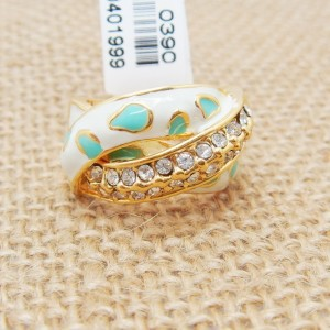 Оригинальное кольцо «Бомонд» с бесцветными кристаллами, белой и бирюзовой эмалью купить. Цена 130 грн