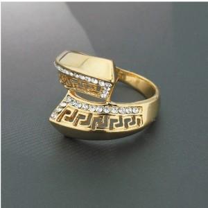 Лёгкое кольцо «Колизей» жёлтого цвета с греческой дорожкой и стразами купить. Цена 79 грн
