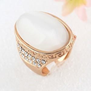 Овальный перстень «Дарий» (бренд-Viennois) с крупным опалом, золотым покрытием и Сваровски купить. Цена 320 грн или 1000 руб.