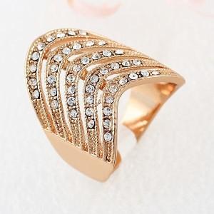 Необычной формы кольцо «Каскадное» (бренд-ITALINA) с позолотой и стразами Swarovski купить. Цена 175 грн