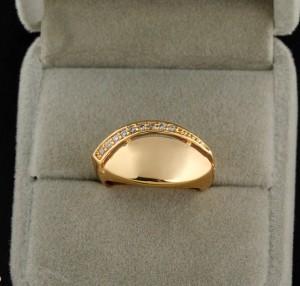 Женский перстень с покрытием арабским золотом в 18 карат и фианитами купить. Цена 150 грн