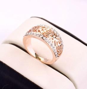 Простое кольцо «Кира» (бренд-ITALINA) с бесцветными стразами Сваровски и золотым напылением купить. Цена 230 грн