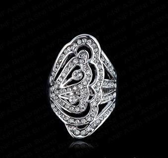 Крупное кольцо «Ажурное» с напылением из белого золота и стразами Сваровски купить. Цена 240 грн