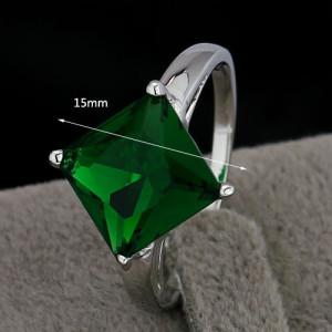 Тонкое кольцо «Багамы» с квадратным зелёным фианитом и позолотой купить. Цена 175 грн