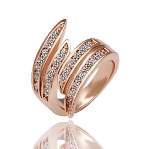 Необычное кольцо «Волна» (бренд-ITALINA) с 18-ти каратным золотым покрытием и камнями Сваровски купить. Цена 220 грн