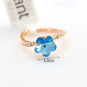 Миленькое колечко «Василёк» (бренд-ITALINA) с голубым камнем Сваровски в виде цветка и позолотой купить. Цена 220 грн