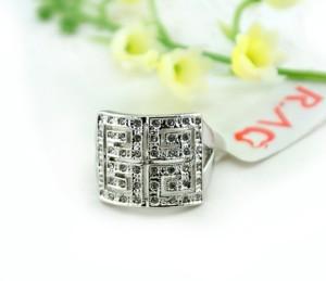 Квадратное кольцо «Таинство» (бренд-ITALINA) с кристаллами Сваровски и напылением из белого золота купить. Цена 240 грн