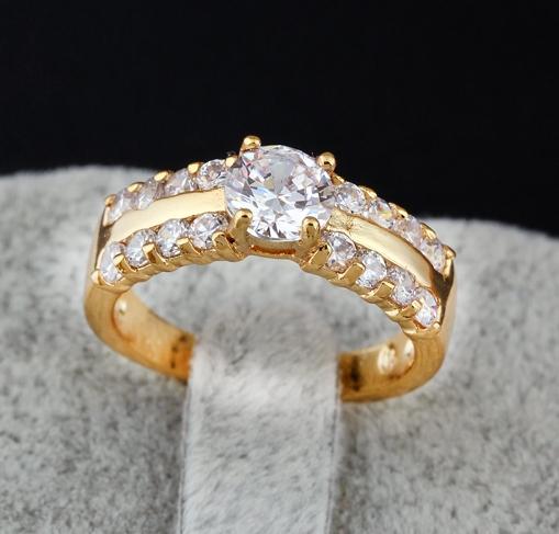 1a2d0e589caa Восхитительное женское кольцо с фианитами, покрытое слоями арабского золота