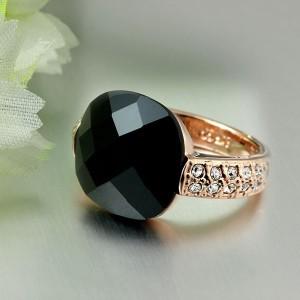 Квадратное кольцо «Оникс» (ITALINA) с чёрным ониксом, стразами и 18-ти каратным золотым покрытием купить. Цена 240 грн или 750 руб.