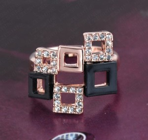Современное кольцо «Квадраты» (ITALINA) с покрытием из розового золота, стразами и акриловыми вставками купить. Цена 250 грн или 785 руб.