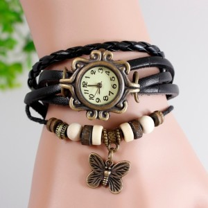 Недорогие красивые часы на чёрном кожаном браслете с кулоном в виде бабочки фото. Купить