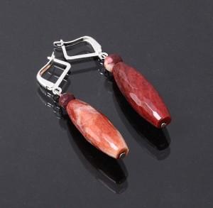 Недорогие серьги из натурального гранёного сердолика купить. Цена 69 грн или 220 руб.