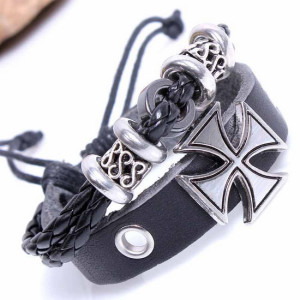 Двойной кожаный браслет в стиле рок с крестом и чёрным плетёным шнурком купить. Цена 125 грн или 395 руб.