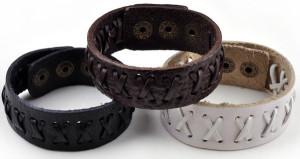 Простые браслеты из кожи для женщин и мужчин с прострочкой в виде крестиков фото. Купить