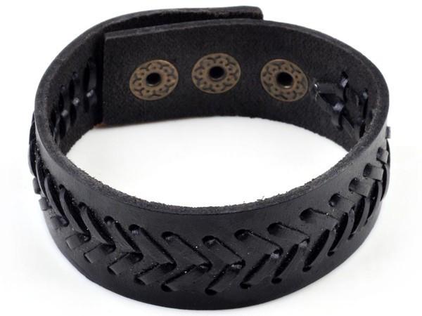 Унисекс черный браслет из натуральной кожи со строчкой в виде шеврона на застёжке-кнопке купить. Цена 115 грн