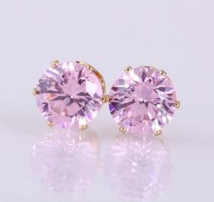 Розовые серьги-гвоздики с круглым фианитом и золотым покрытием купить. Цена 39 грн или 125 руб.