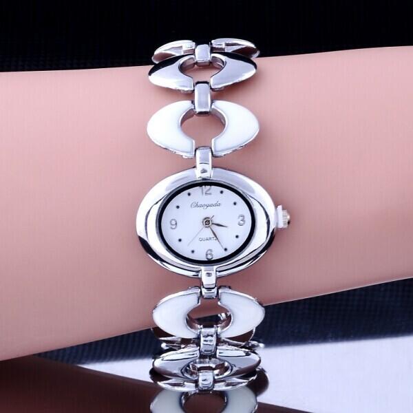 Металлические часы «Chaoyada» с серебристым браслетом и овальным циферблатом купить. Цена 225 грн