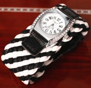 Оригинальные женские часы «Timez» с широким плетёным чёрно-белым браслетом купить. Цена 230 грн