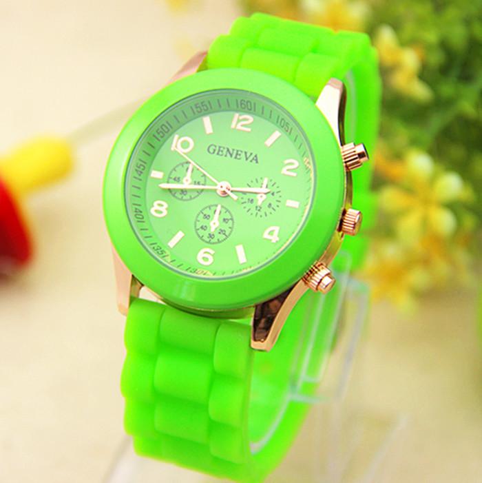 Яркие часы «Geneva» с золотистым корпусом и ядовито-зелёным ремешком купить. Цена 220 грн