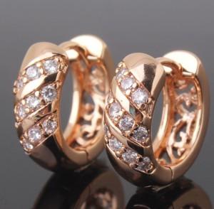 Ювелирные серьги «Виртуоз» с высококлассным золотым покрытием и швейцарскими цирконами купить. Цена 250 грн или 785 руб.