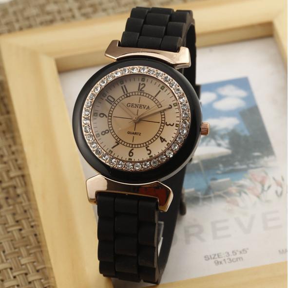 Чёрные спортивные часы «Geneva» с силиконовым ремешком и стразами купить. Цена 285 грн