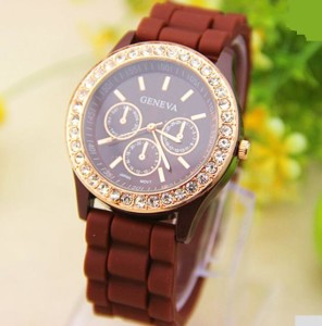 Коричневые часы «Geneva» с силиконовым ремешком и стразами на корпусе купить. Цена 199 грн