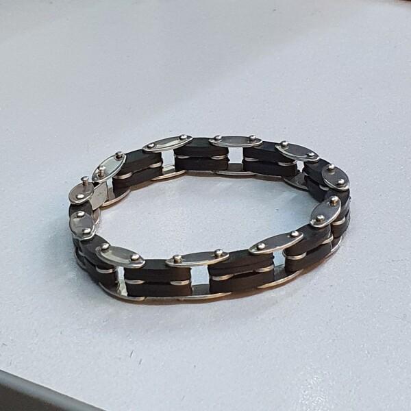 Мужской браслет из медицинской стали с чёрными каучуковыми вставками купить. Цена 190 грн