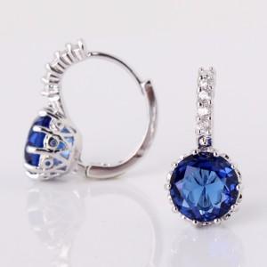 Популярные серьги «Нефела» с синим камнем круглой формы и платиновым покрытием фото 1