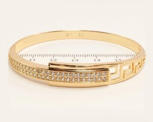 Жёсткий браслет «Минотавр» из медицинского золота с мелкими фианитами купить. Цена 335 грн