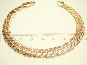 Симпатичный браслет-цепочка с плетением двойное ромбо и розовой позолотой фото. Купить