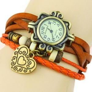Винтажные женские часы с кожаным браслетом рыжего цвета и кулоном купить. Цена 135 грн