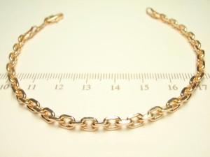 Обыкновенный браслет с популярным якорным плетением и 18-ти каратным золотым напылением купить. Цена 185 грн или 580 руб.