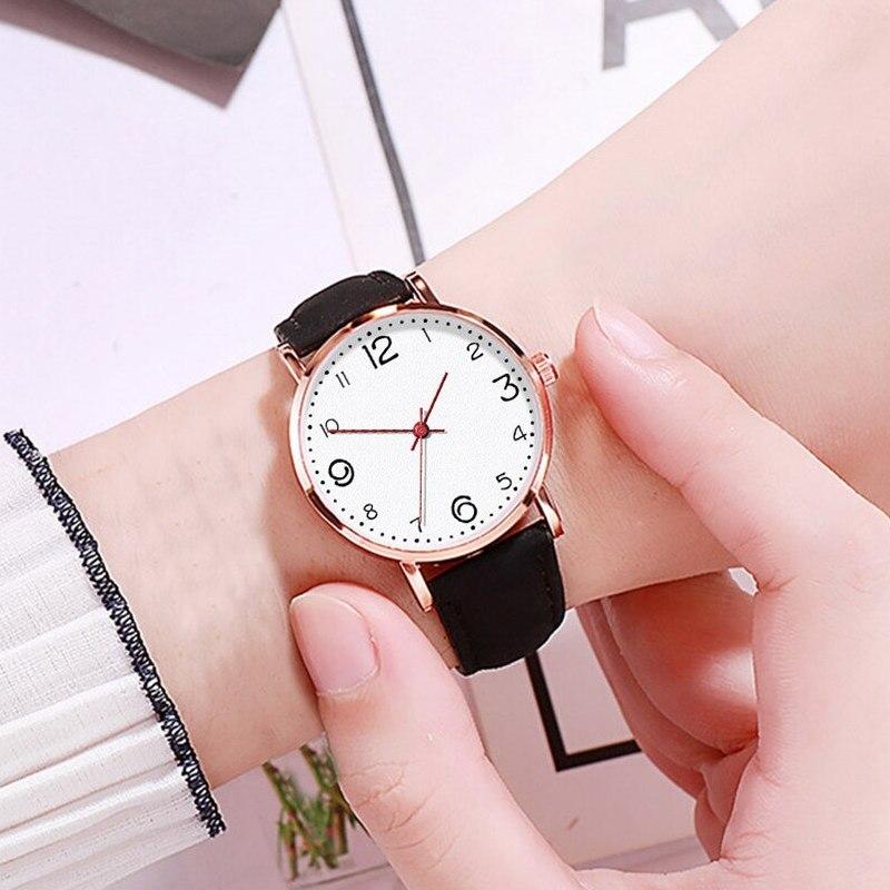 Обыкновенные женские часы «Quartz» с чёрным ремешком купить. Цена 245 грн