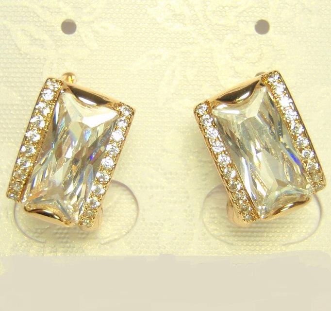 Стильные серьги «Герцогиня» с прямоугольным камнем в оправе с золотым напылением купить. Цена 235 грн