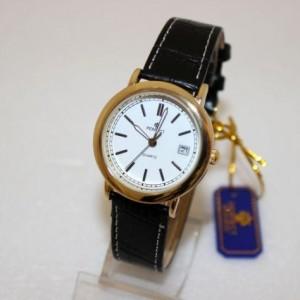 Позолоченные часы «Perfect» с японским часовым механизмом и чёрным ремешком фото. Купить