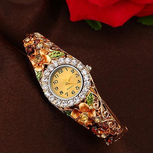 Замечательные часы-браслет «Quartz» с цветами и стразами купить. Цена 285 грн