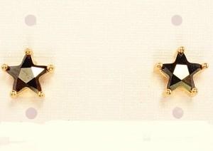 Прикольные серьги со звёздочкой из чёрного фианита и золотым покрытием фото. Купить