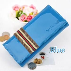 Подростковый лаковый кошелёк Dalins голубого цвета с нашивкой из ткани фото. Купить